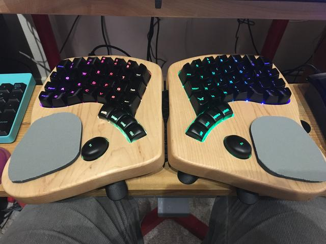 keyboardio-wristpad1.jpg