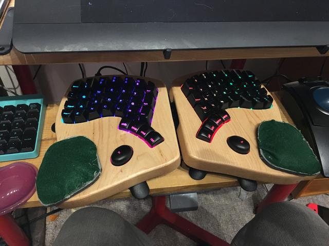keyboardio-wristpad2.jpg